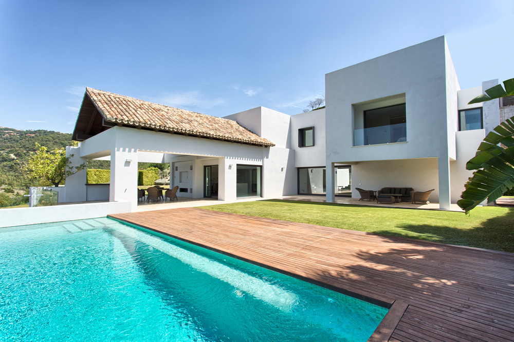 Magnifica villa vanguardista Los Arqueros Golf.