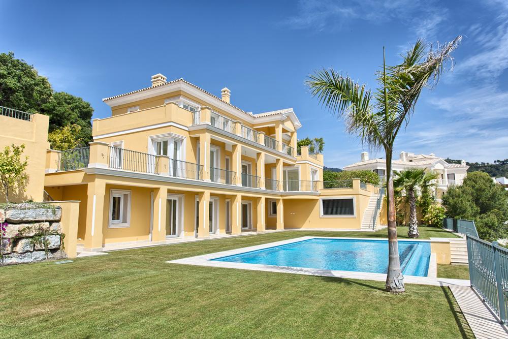 Majestuosa villa en Urb. Los Arqueros.