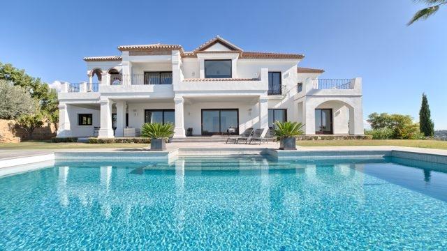 High quality villa in Los Flamingos Golf .