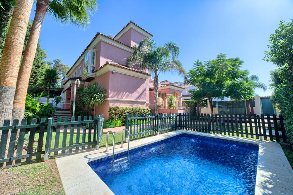 Villa Lorea Playa, Puerto Banus.