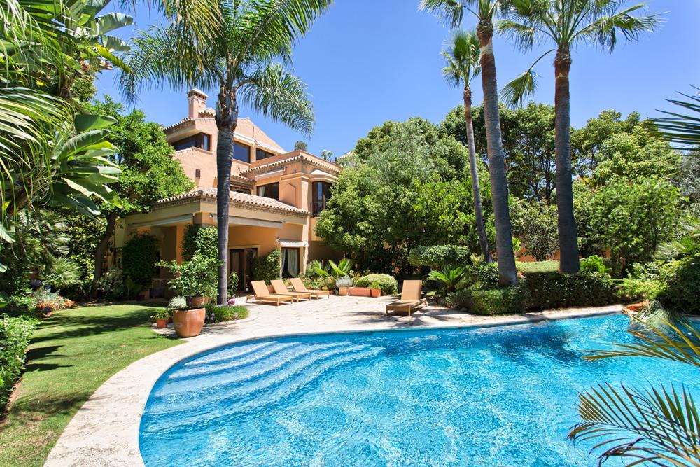 Extraordinaria villa en La Milla De Oro.