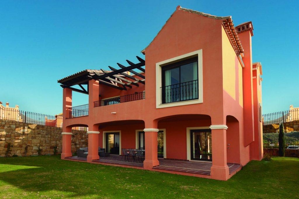 Semi-Detached Villas in golf area, near Estepona.