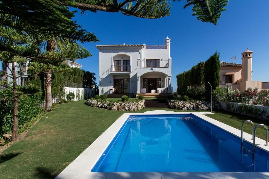 Lujosas villas de estilo Mediterráneo a estrenar cerca de Estepona.