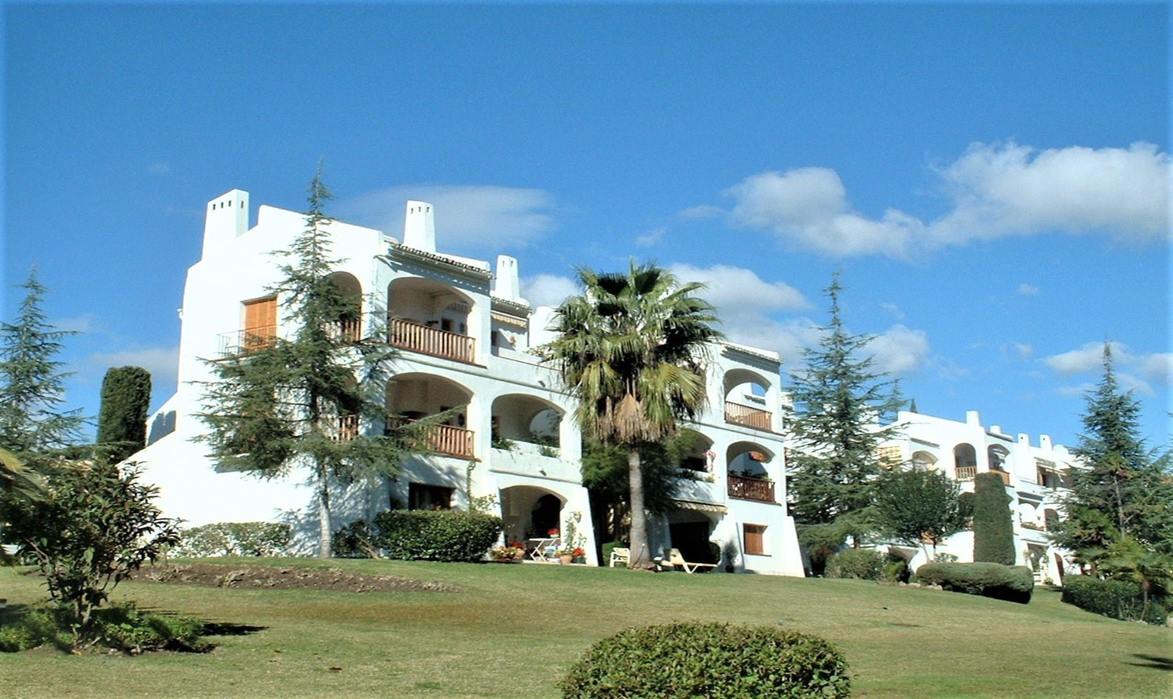 Beautiful apartment in Nueva Andalucía.