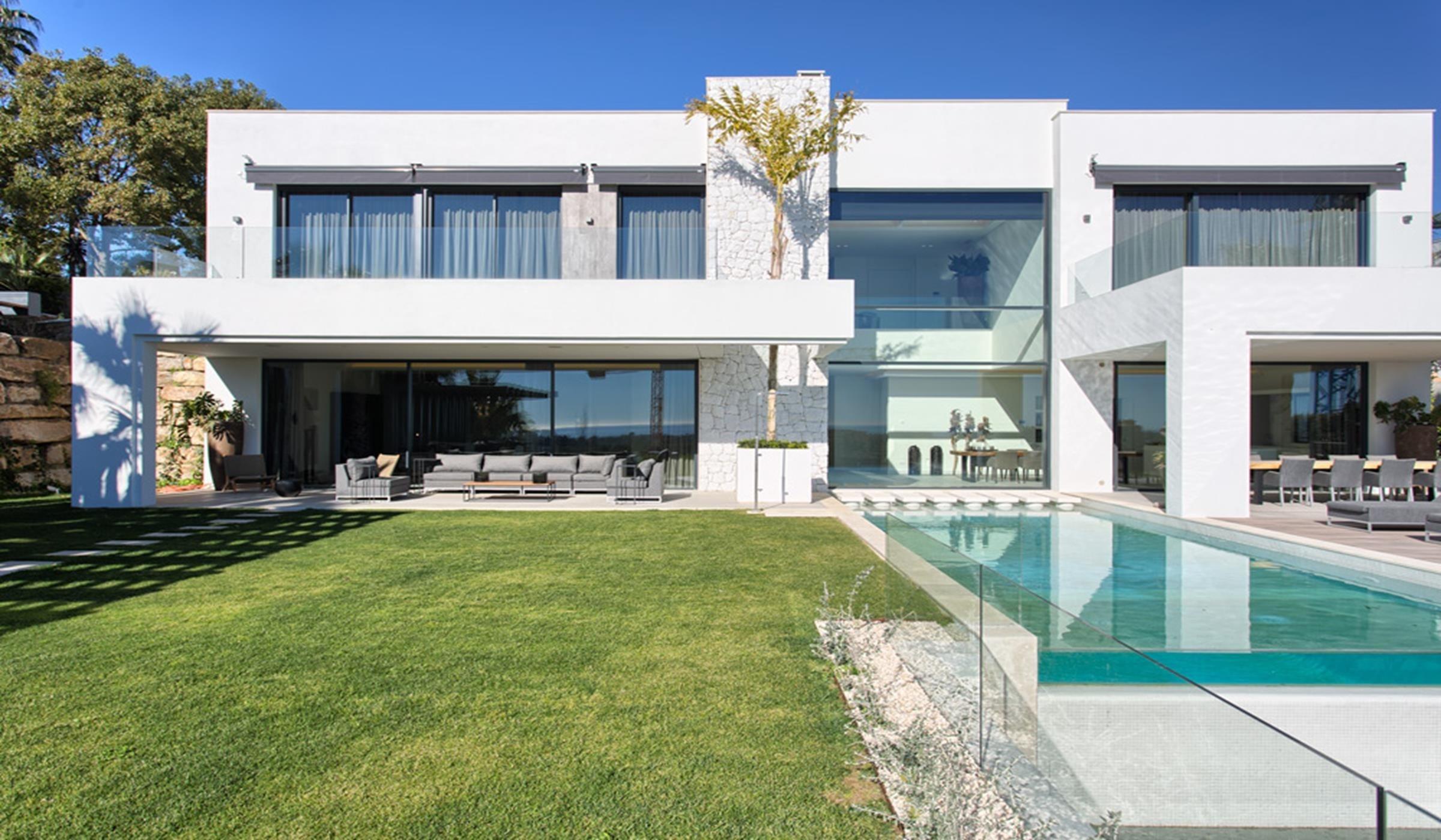 Wonderful contemporary villa in La Alqueria.