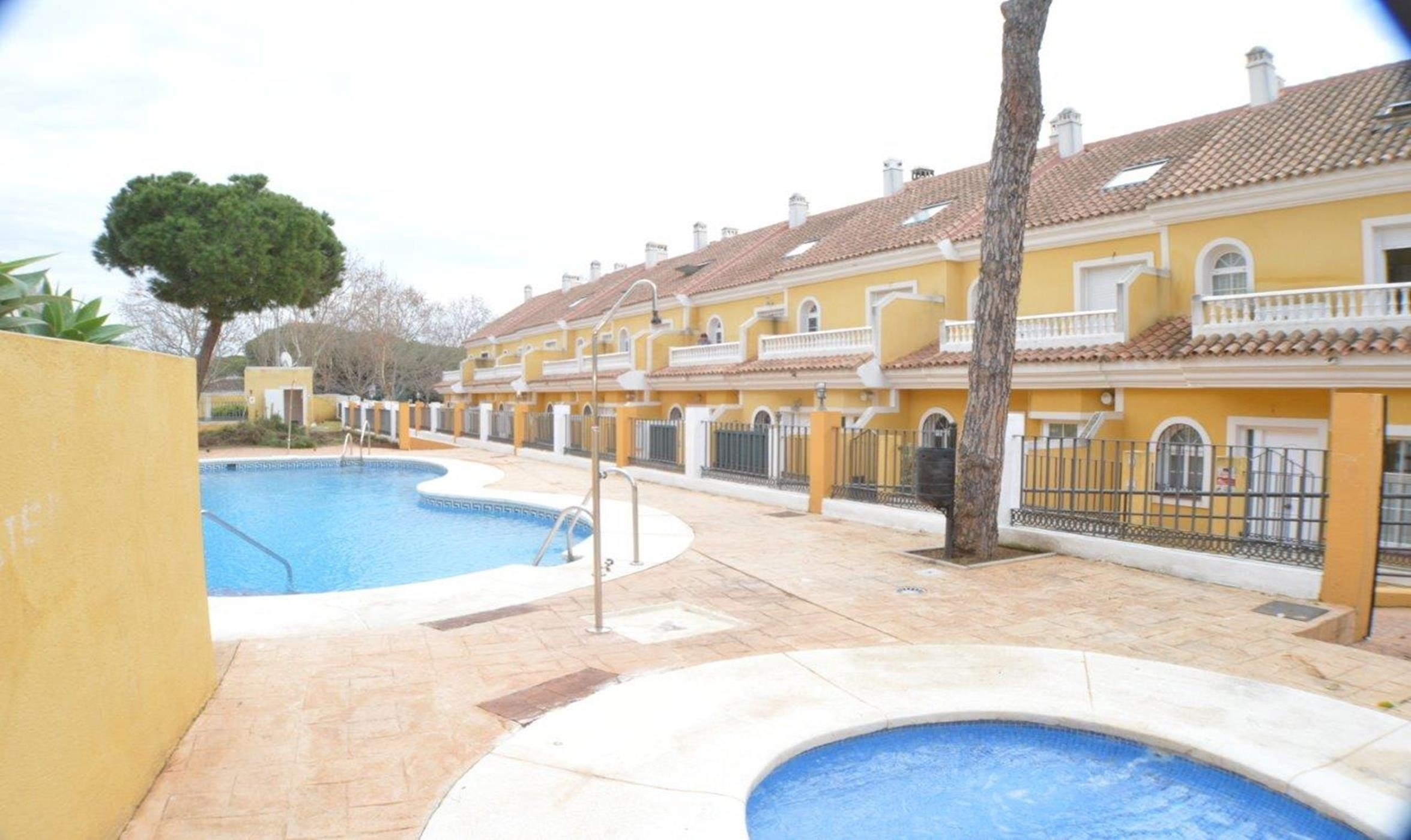 Exclusive and spacious Townhouse in Calahonda