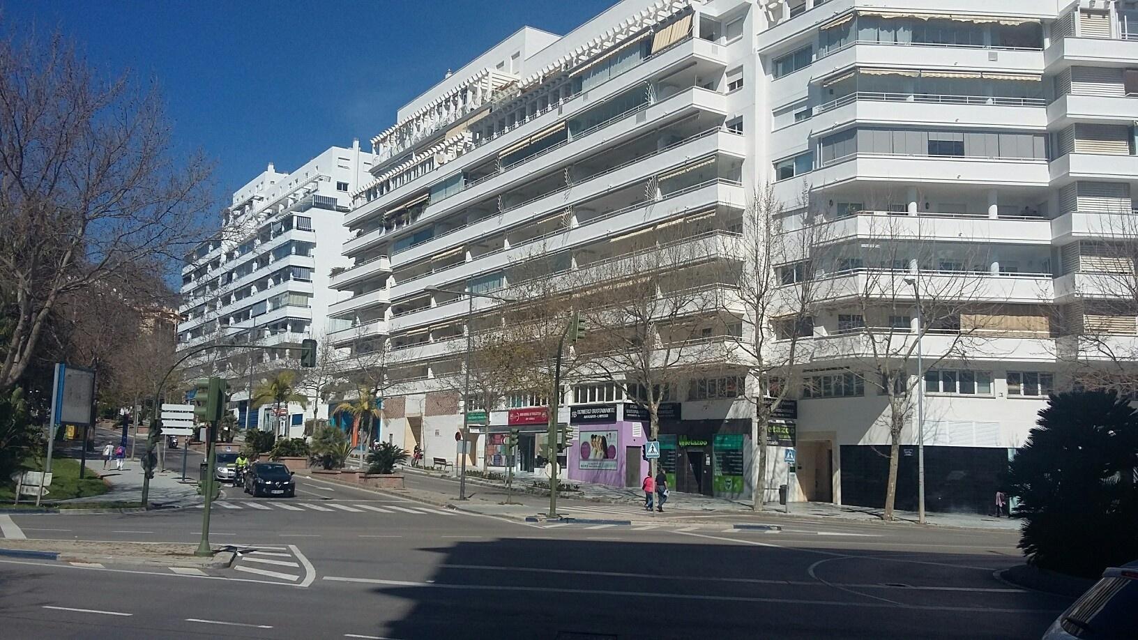 Amplio local en el centro de Marbella.