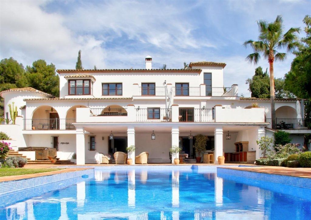 Great villa on the Golden Mile.