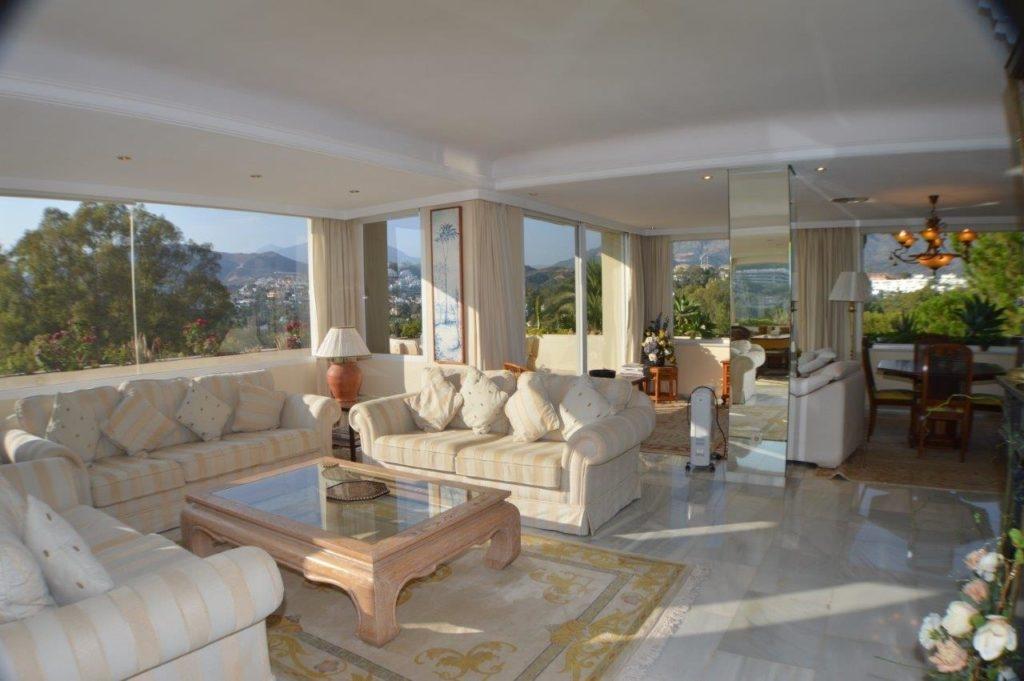 Large apartment in Hotel Golf, Las brisas.