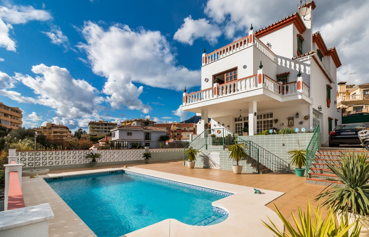 Five bedrooms villa in the heart of Marbella.