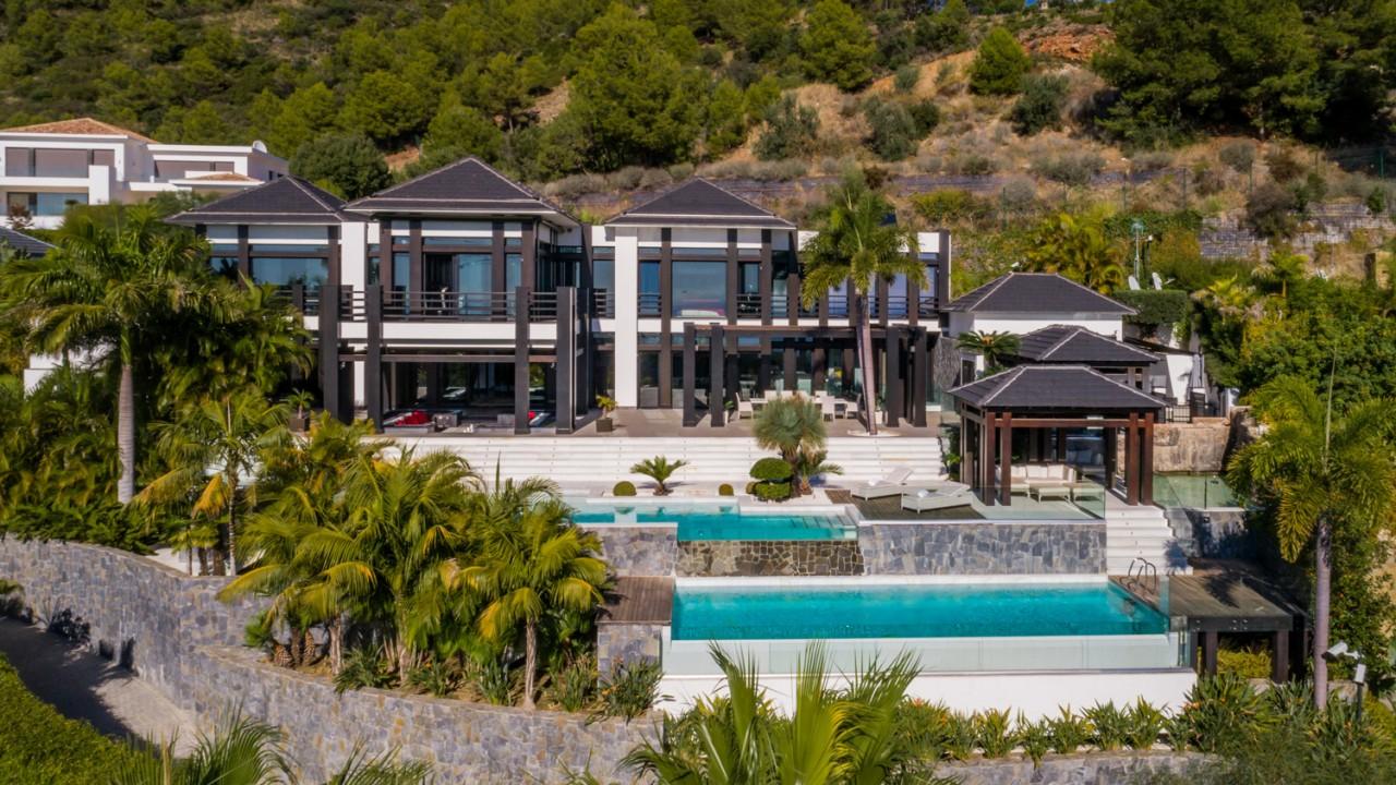Truly unique property in Marbella Golden Mile