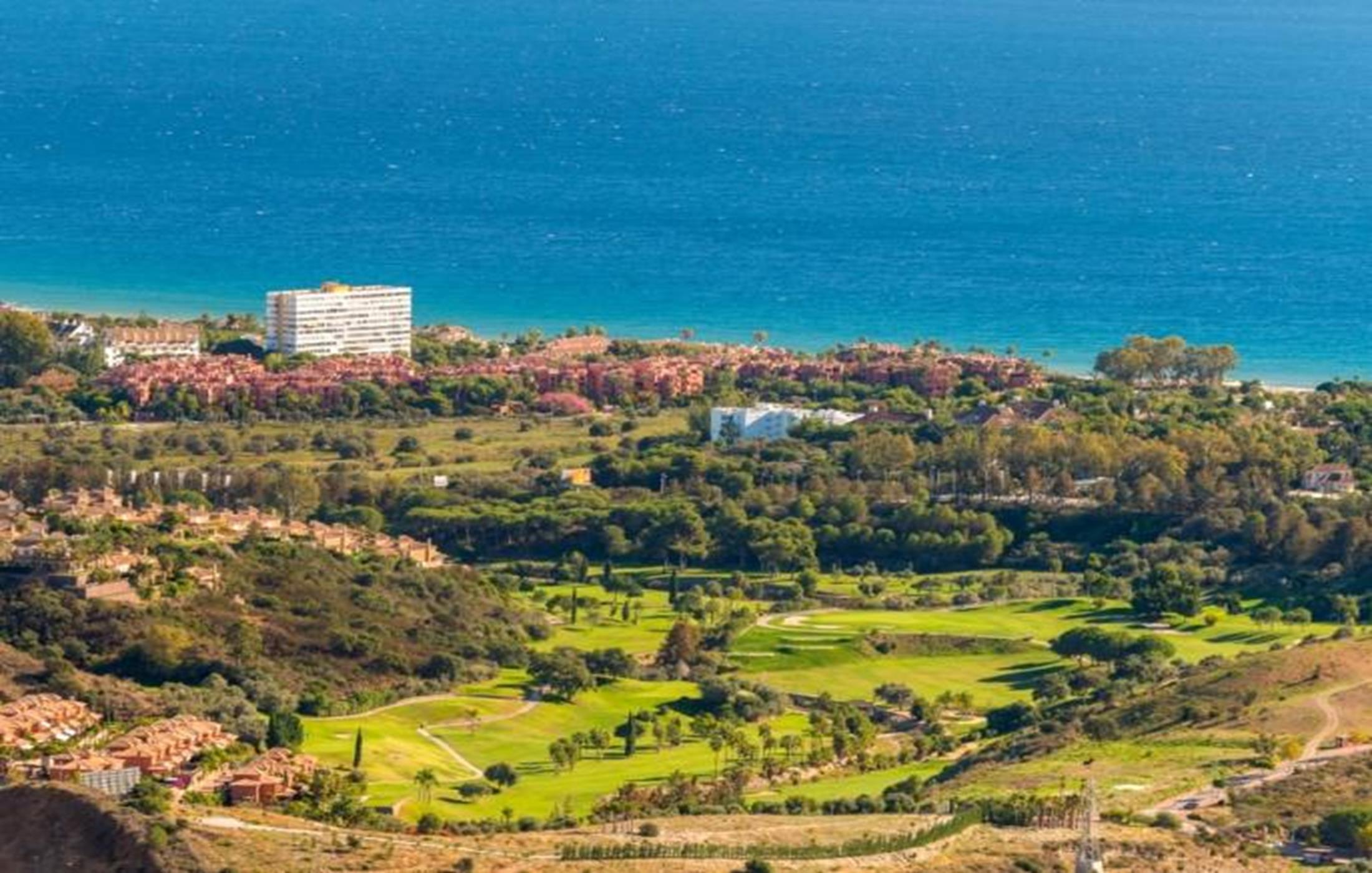 Apartments with sea views. Altos De Los Monteros