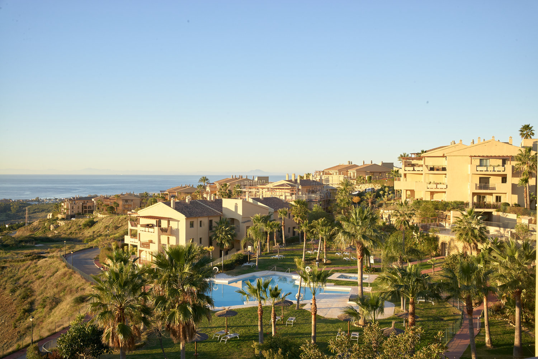Complex of apartments with sea views. La Alqueria