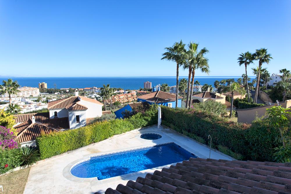 Villa cerca de las hermosas playas de La Duquesa.