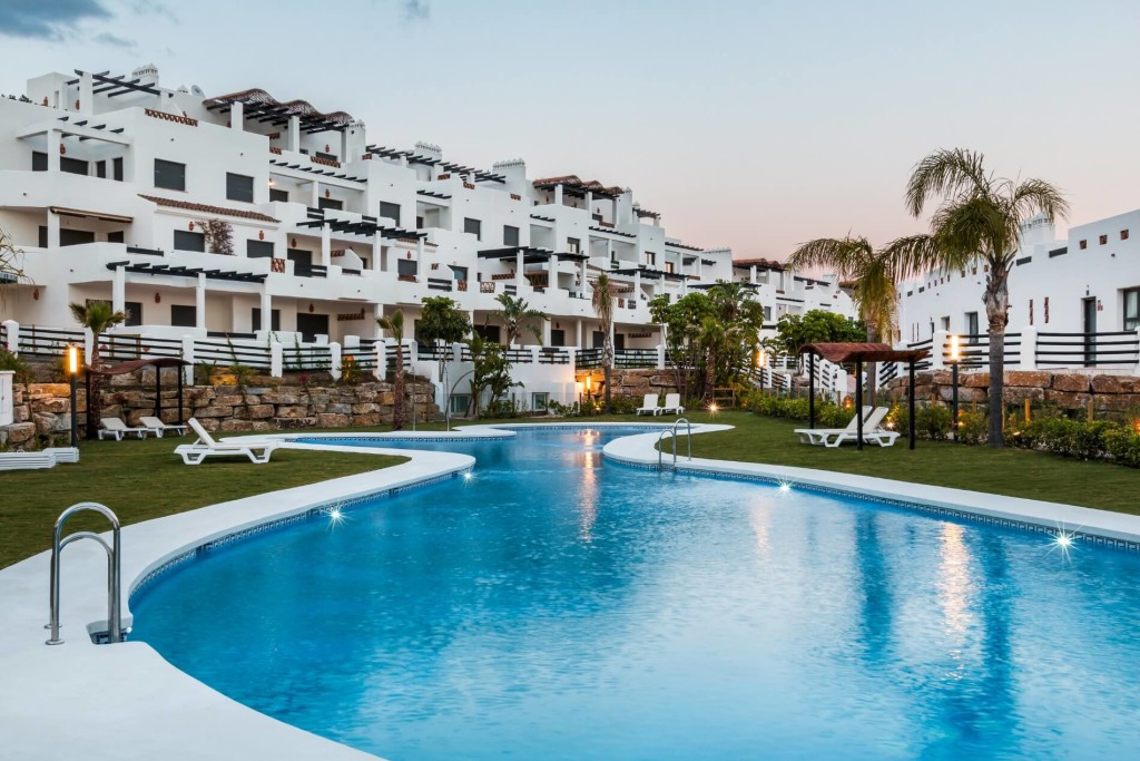 Mediterranean apartments and townhouses. La Resina Golf