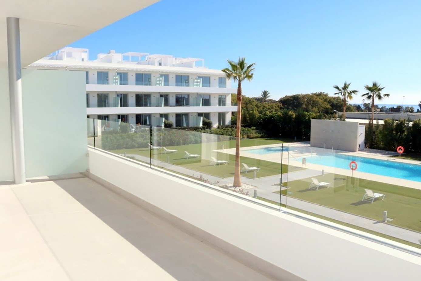 Apartment 550 m from the beach in New Golden Mile.