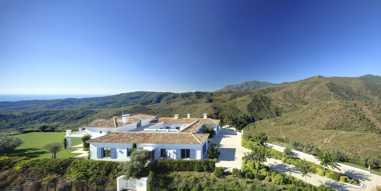 Luxurious villa in Monte Mayor Country Club.
