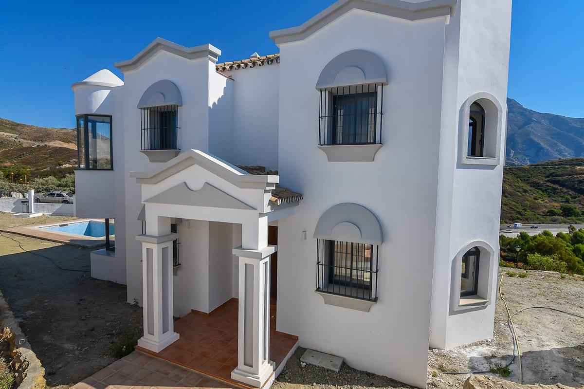 Charming villa in Nueva Andalucía.