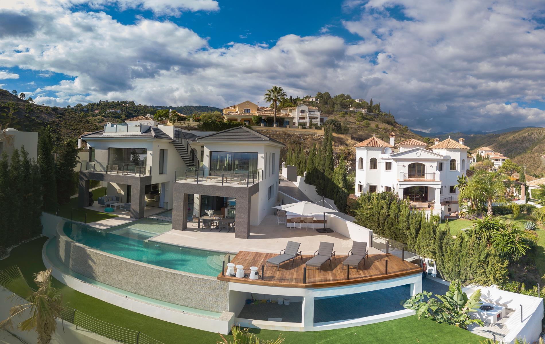 Impresionante villa contemporánea en Lomas De La Quinta