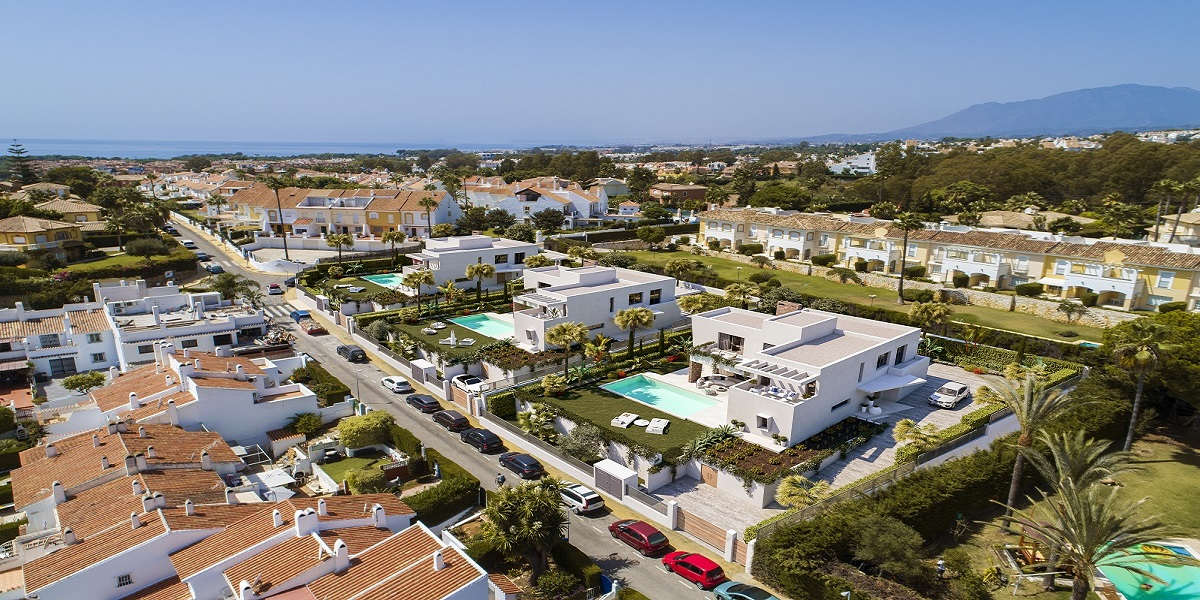 Project of 3 large villas between Marbella and Estepona