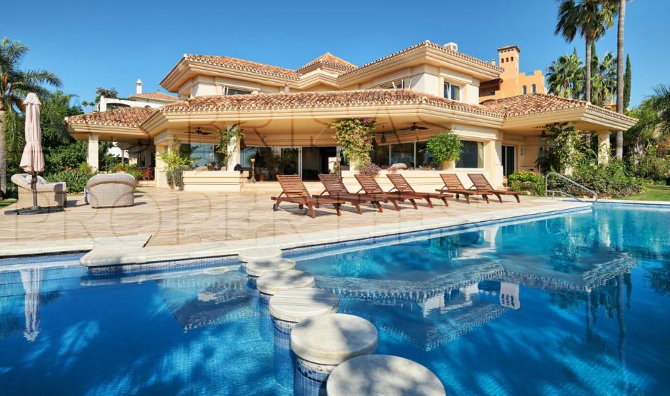 Magnífica villa de estilo clásico en Nueva Andalucía