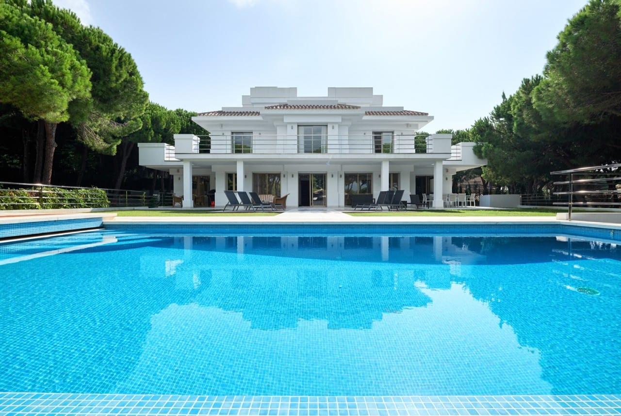 Villa moderna recién construida en Las Chapas.