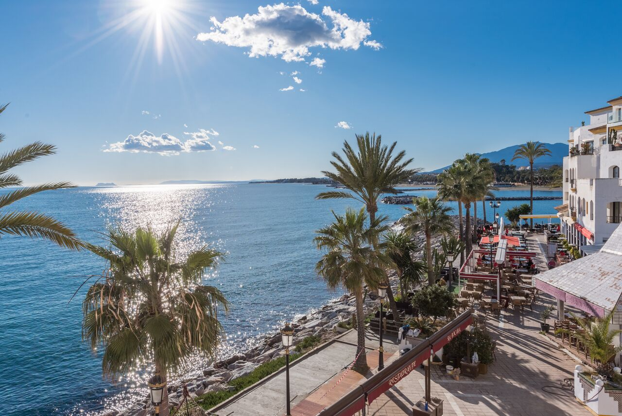 Lujoso apt con impresionantes vistas al mar en Puerto Banús