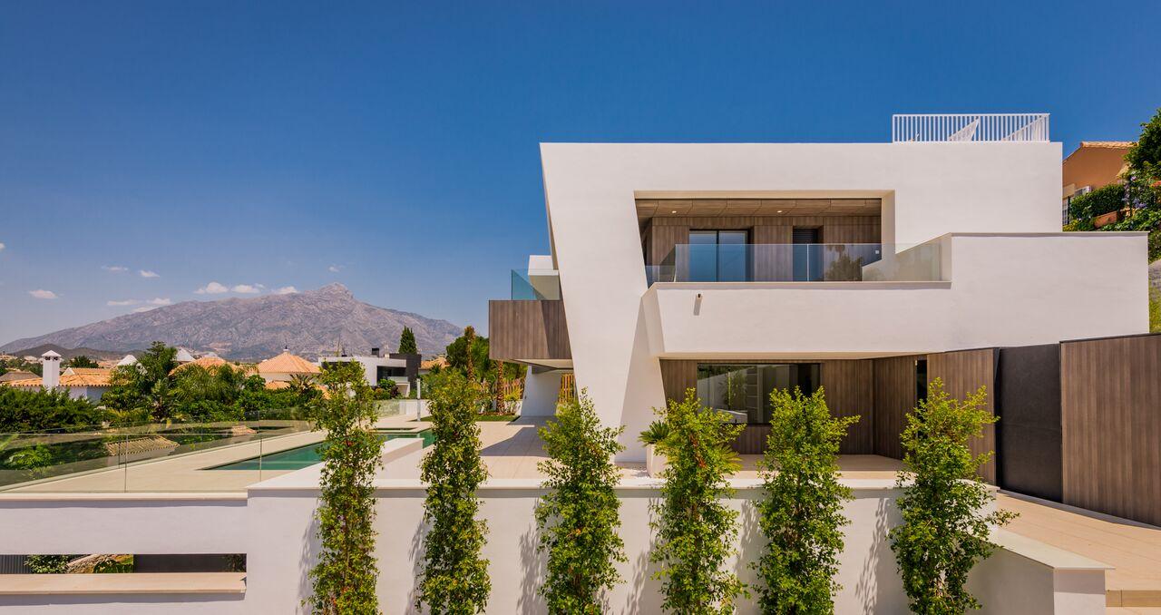 Newly built luxury villa in Nueva Andalucía. Marbella