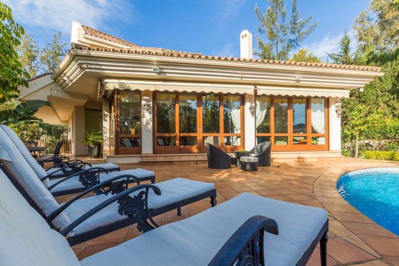 Attractive villa in El Herrojo Alto, La Quinta. Benahavis