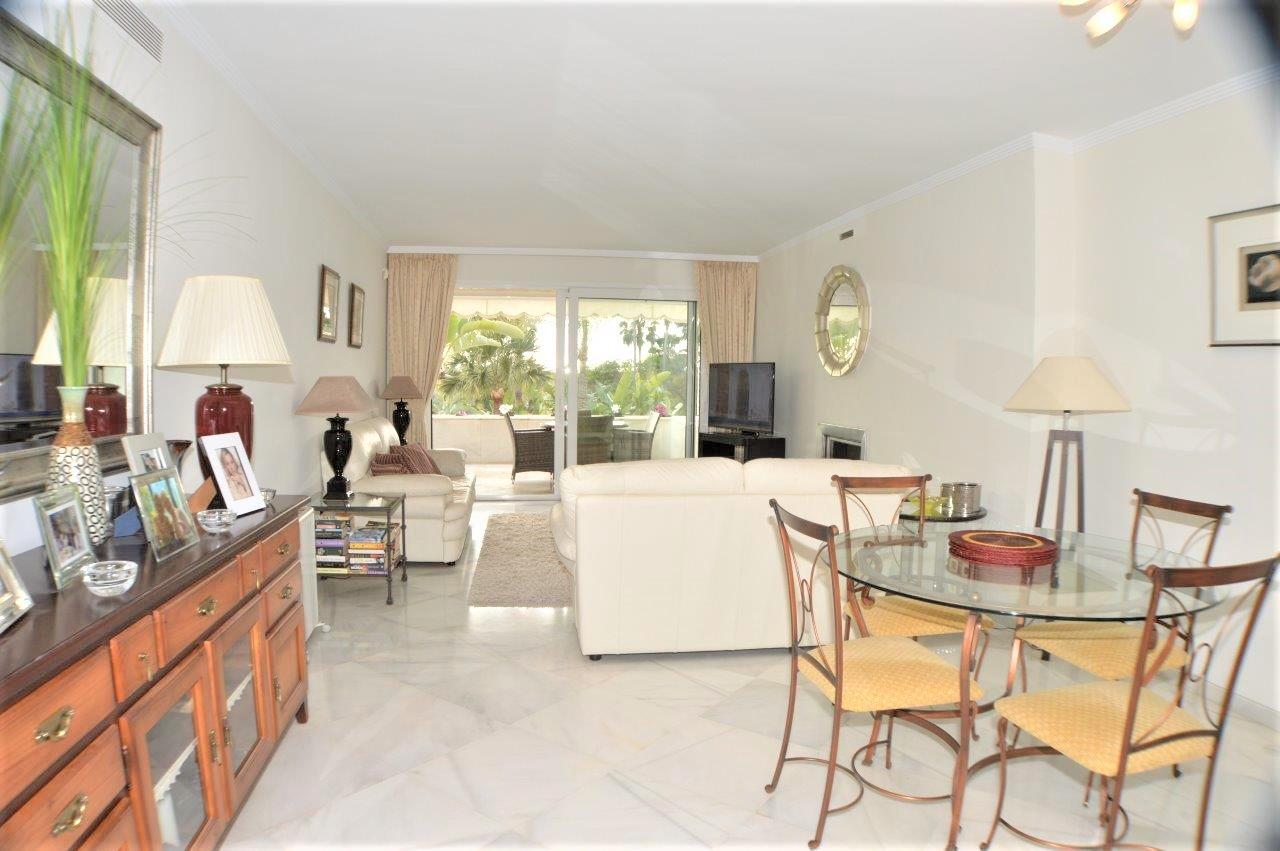 Beautiful, large two bedroom apartment at Los Granados Golf in Nueva Andalucia.