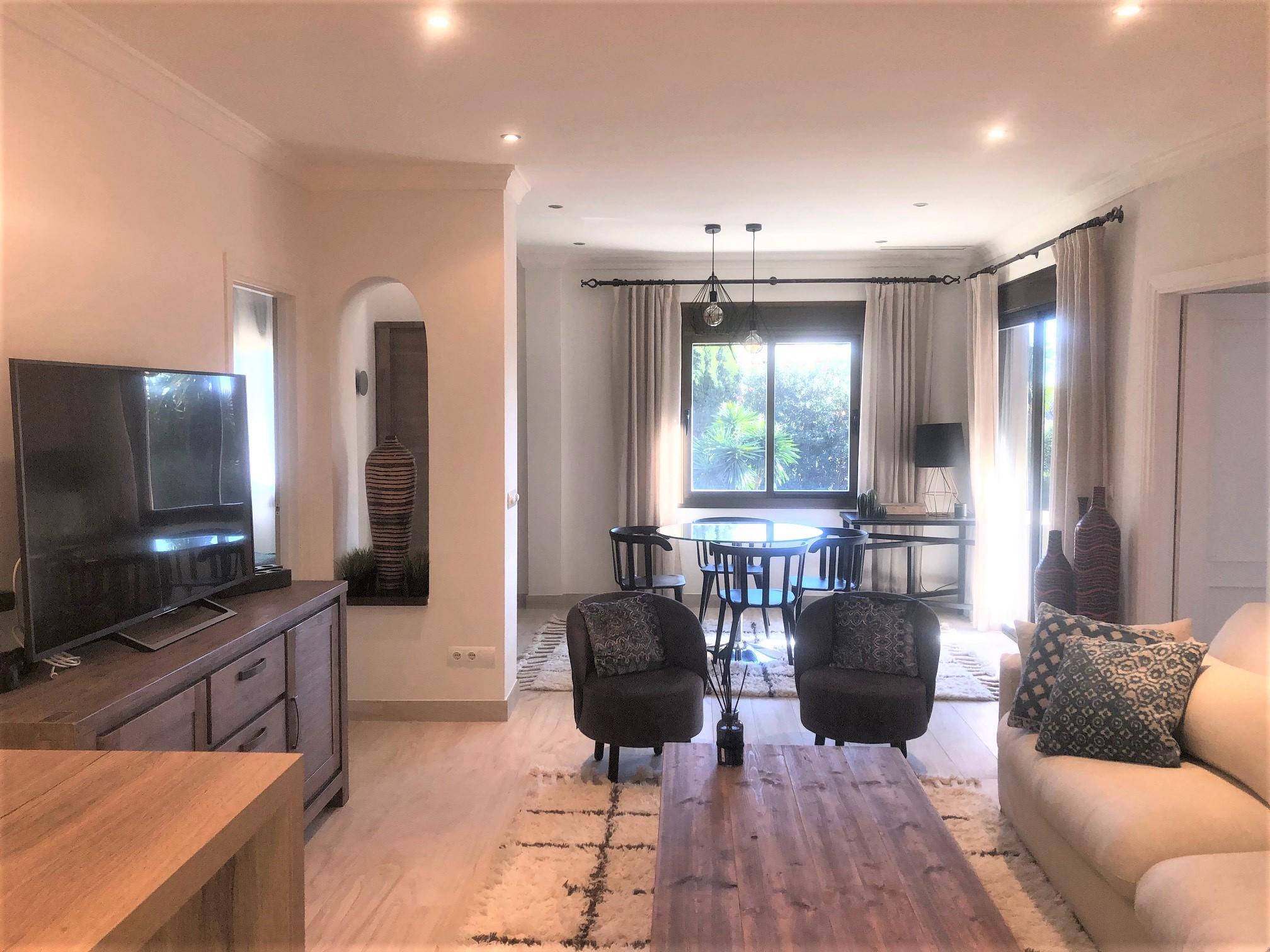 Precioso apartamento de dos dormitorios en alquiler en Hotel de Golf Las Brisas